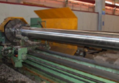 CNC horizontal lathe for machining long and big pipes